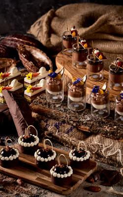 April Chocolate Week in Atlantis
