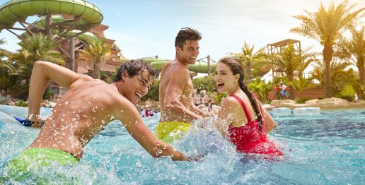 aquaventure-waterpark-in-dubai-summer