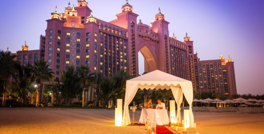 romantic-outdoor-dinner-the-royal-beach-atlantis-dubai