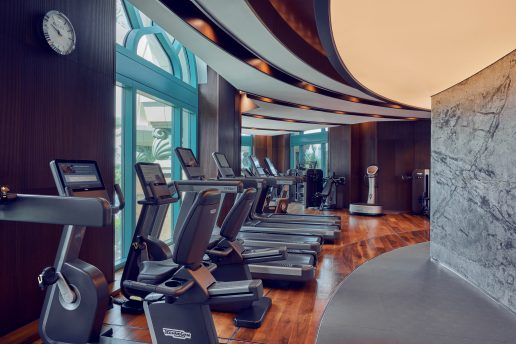 full-body-workout-shuiqi-fitness-centre-dubai